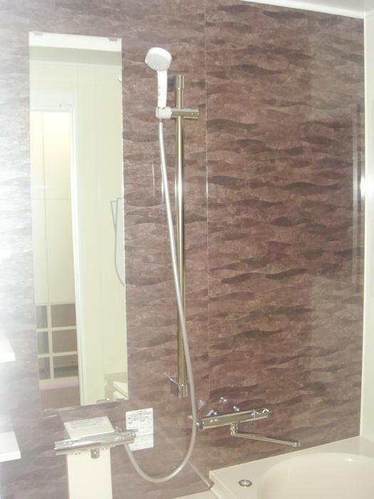 断熱仕様の暖かく快適な浴室