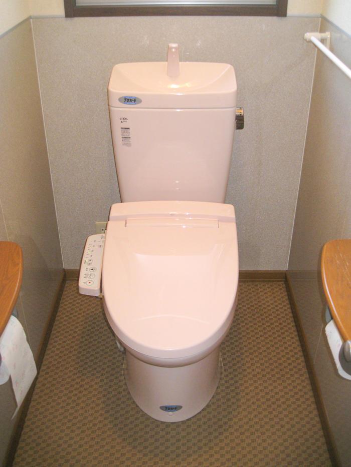 10年水垢を防ぐ!特殊加工で長く使えるトイレ
