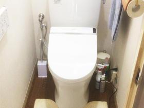 既存のトイレ跡を残さず新しいトイレにお取替え
