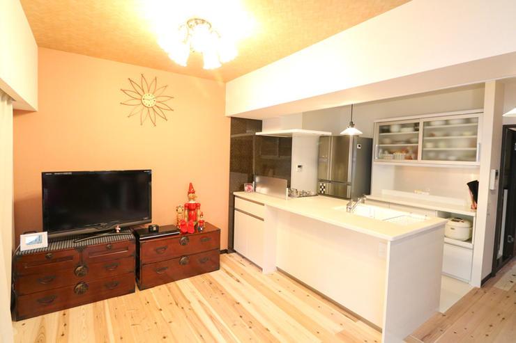 オープンキッチンと和室で和モダンスタイルのLDK