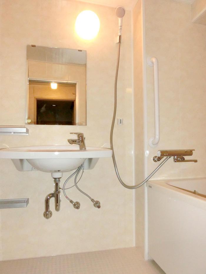 在来タイプのレイアウト自在な浴室