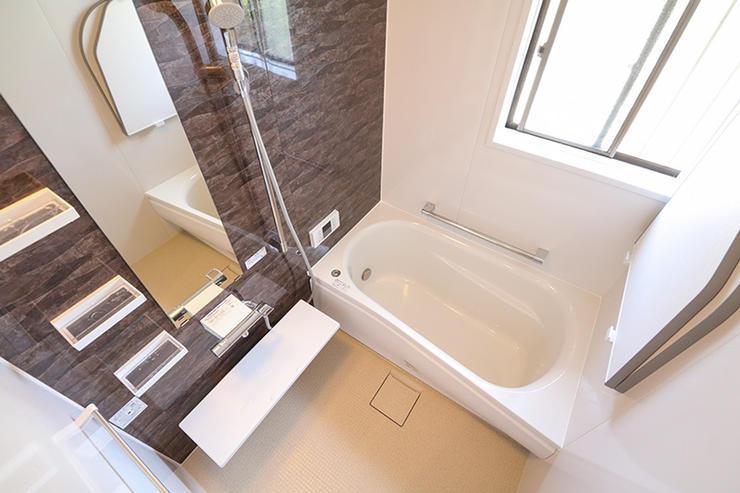 明るく温かく清潔なバスルーム&洗面所
