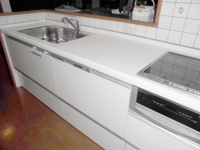 長く使いたいお客様のためのフラットなキッチン