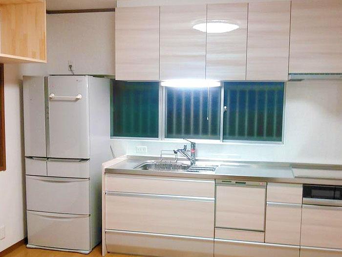 収納量はそのままにコンパクトなキッチンで部屋が広々