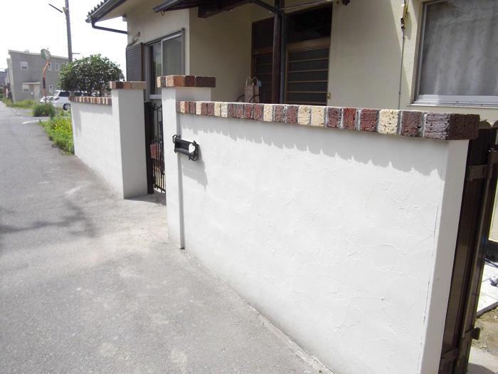 多色レンガでおしゃれに彩る門塀