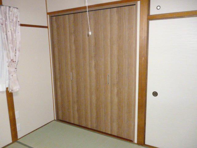 綺麗で使いやすいお部屋によく合うクローゼット