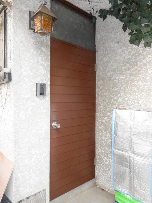 新品のように輝く玄関ドア