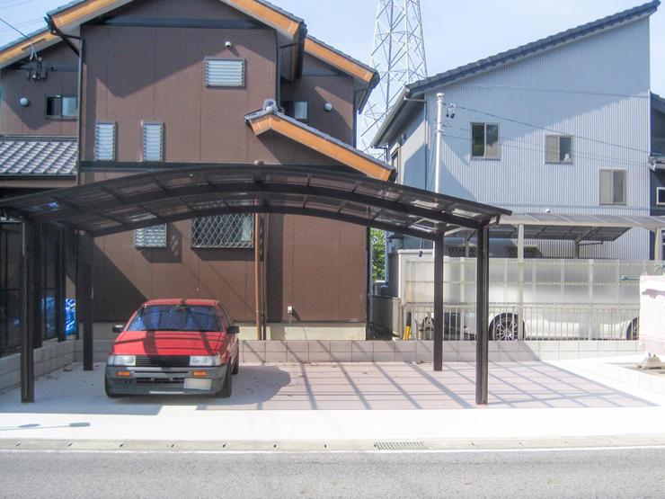 広くなり手入れの必要も少なくなった駐車場