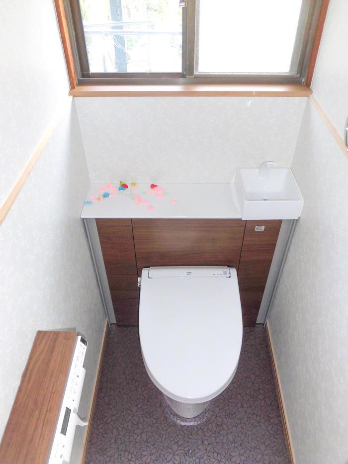 収納も増えて快適に使える洋室トイレ