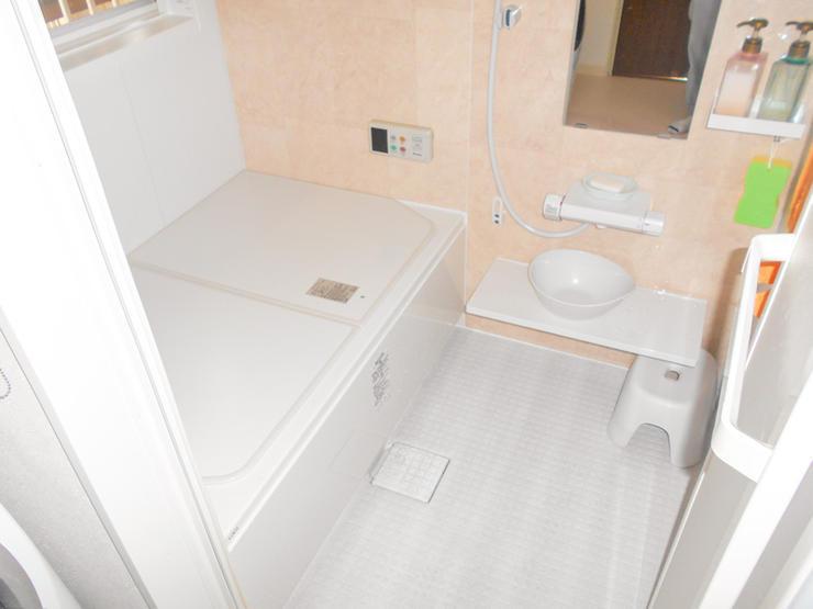 温かく使いやすい洗面所&最新ユニットバス