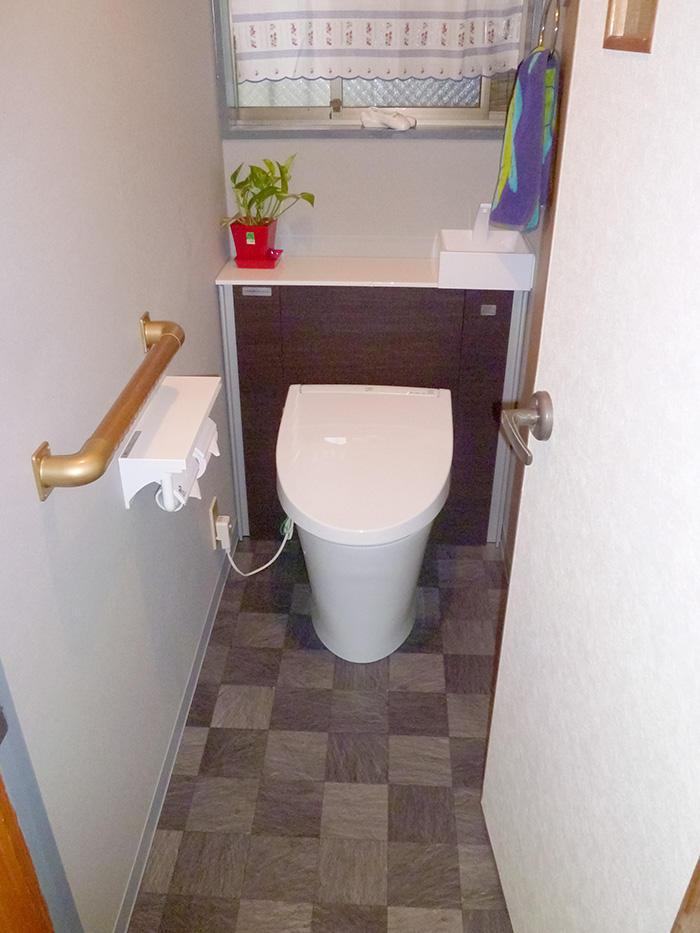 タンクレス風の実用的かつ斬新なトイレに