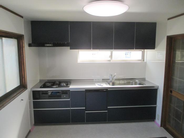 収納力が高まり棚の活用もラクラクのキッチン