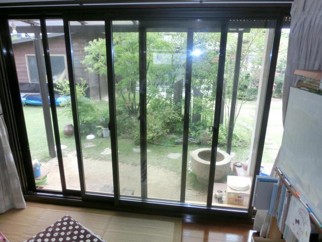 断熱性能を向上し庭の見え方も変える内窓