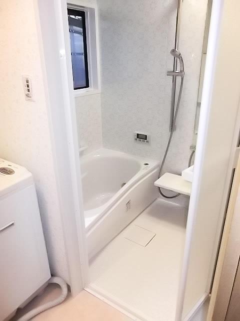 タイル張りの古いお風呂から最新式のユニットバスへ