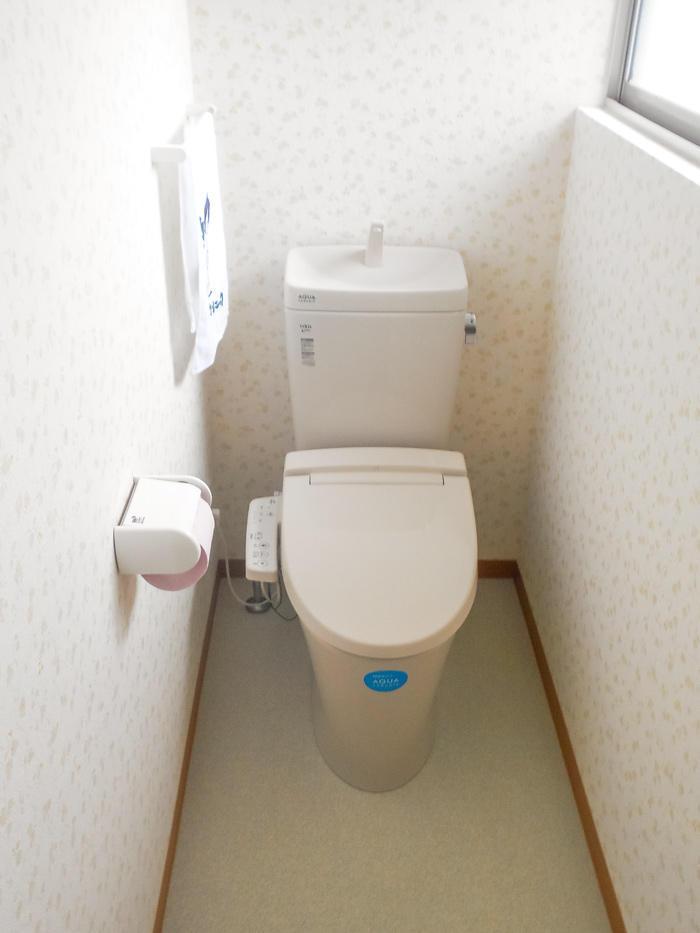 和式から洋式に替えて便利なトイレへ