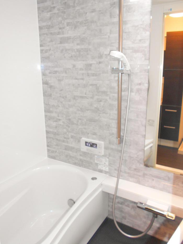 こだわりのトイレ空間とより広々とした浴室