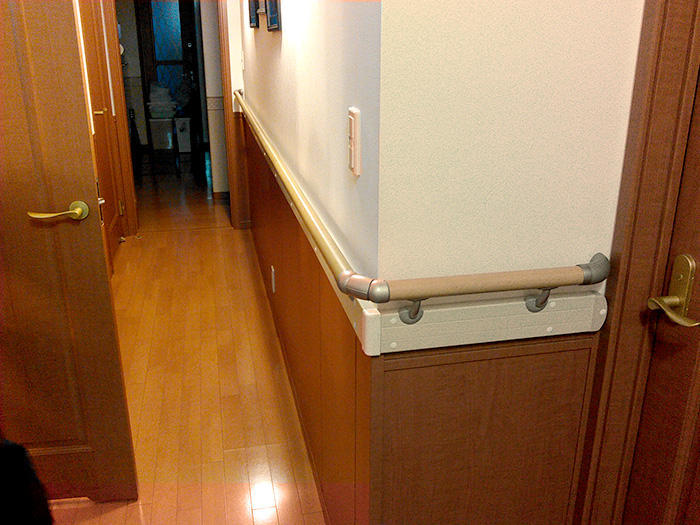 これで安心!階段・廊下・玄関手すり設置