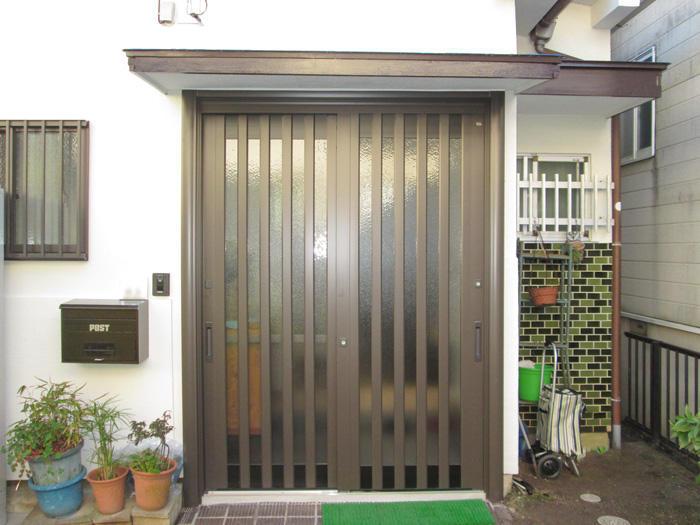 開閉と防犯性が上がり高級感もプラスされた玄関ドア