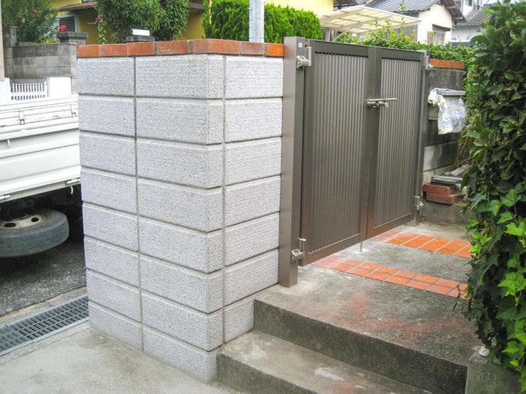 塀修繕と昇降しやすい階段