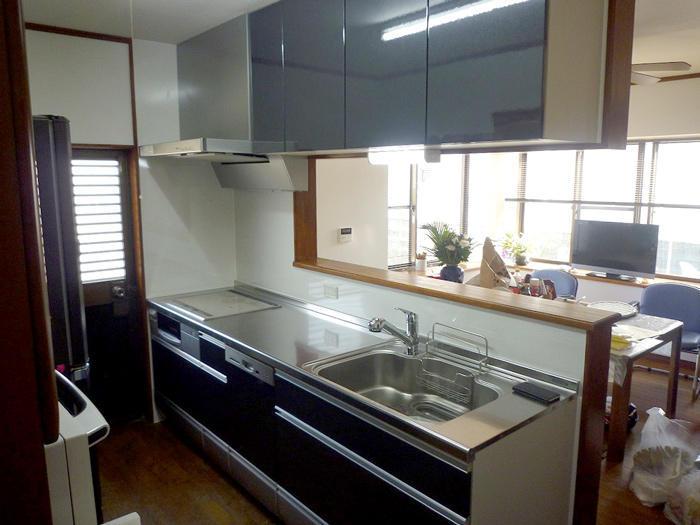 共働きのご夫婦のための高機能キッチン