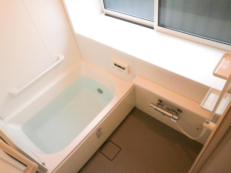 バリアフリー化し、暖かさも重視した浴室