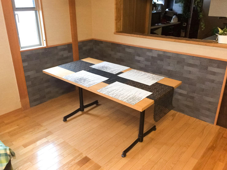 掘りごたつをなくしテーブルで歓談可能なスペースに