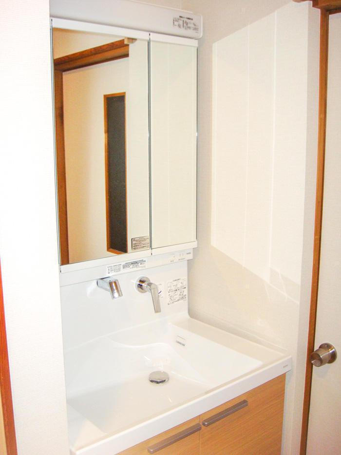 ワンランク上の洗面所と間取変更でサイズアップしたお風呂