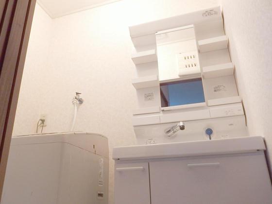 部屋ごとリフォームでお得にキレイな洗面室