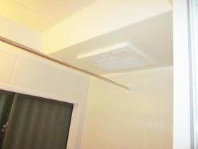 寒い浴室も洗濯物も、天井の浴室換気乾燥暖房機が解決