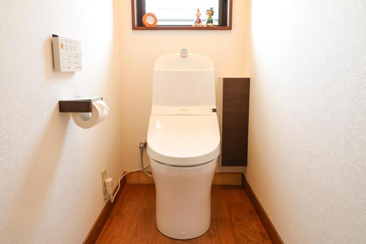 カラーを統一し、より落ち着きと温もりを感じるトイレに