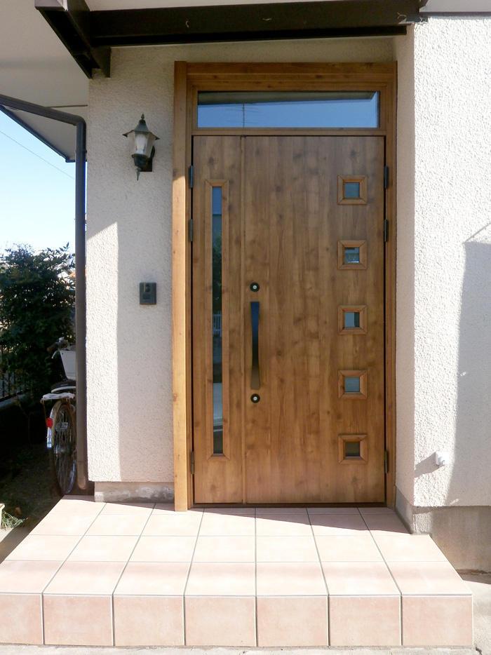 防犯性能がアップしたドアと滑りにくい玄関口