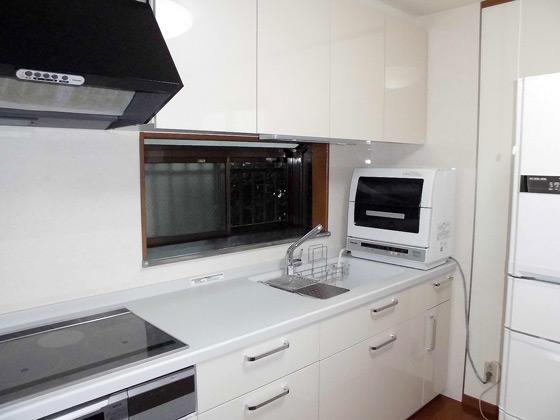 節水シンクや扉面材などこだわり抜いたマイキッチン