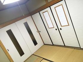 戸襖がお洒落な使い勝手の良い和室