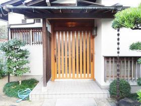 開閉も軽く、デザインもお家に合う防犯性の高い玄関ドア