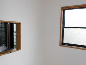 お客様の負担も軽減できる壁紙のご提案で新築のような明るさに!