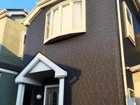 オシャレな色の外壁塗装。コーキングも打ち替え防水性UP!