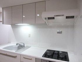 I型へ変えてコンパクトにし、空間にゆとりを持たせたキッチン