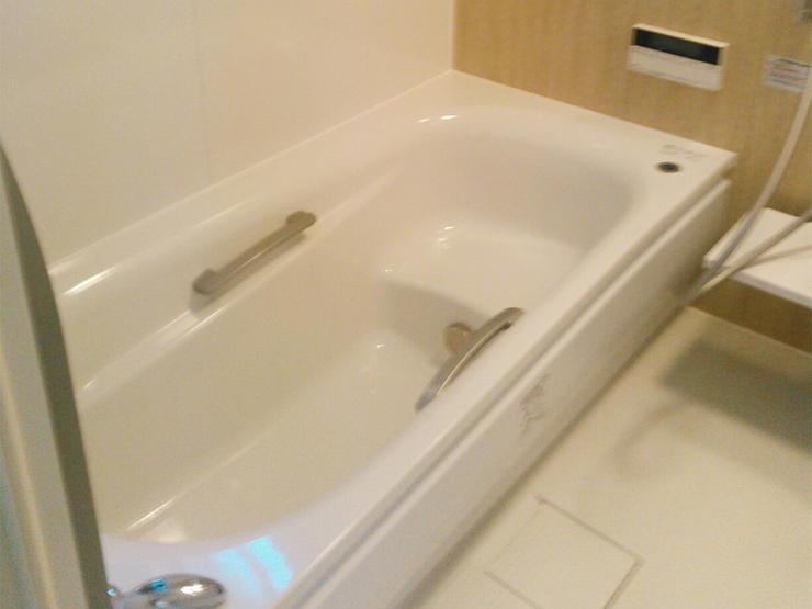 プチ増築で明るく広い浴室
