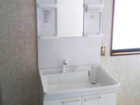 賃貸でご利用される方のために、使い勝手の良さを重視した洗面台