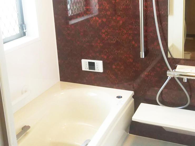 暖かくホッとできる浴室空間