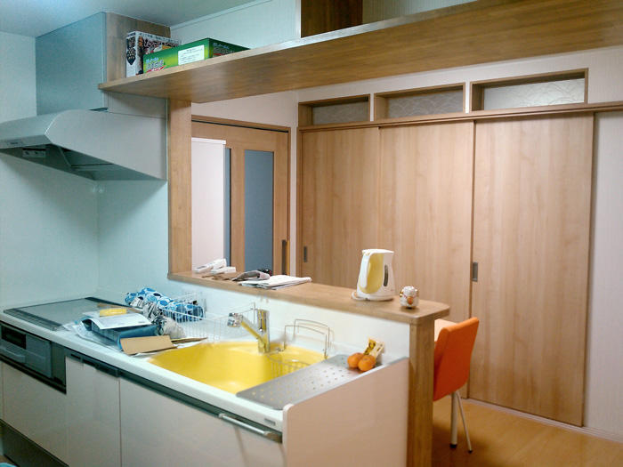 明るい雰囲気で料理が楽しくなる高機能キッチン