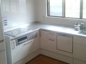 お手入れがしやすく、収納も増え動作が楽になったキッチン