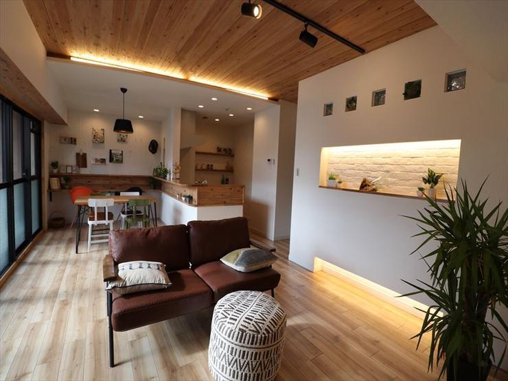 天然木を各所に使用し、お部屋全体がお洒落なインテリアに