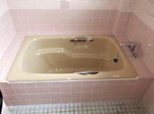 水栓を滝吐水で丈夫なホーロー浴槽