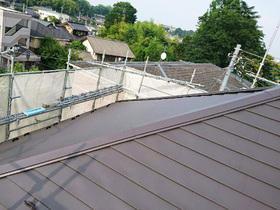 塗装の剥がれの心配を払拭する屋根リフォーム