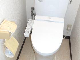 既存のトイレ後もキレイに修復
