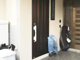 二世帯住宅化に伴い新設した玄関ドア