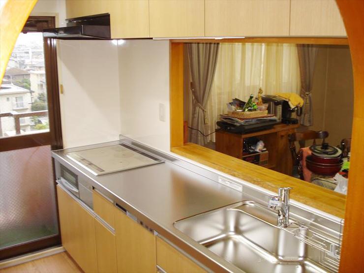 スペースを最大限に活かしたキッチン