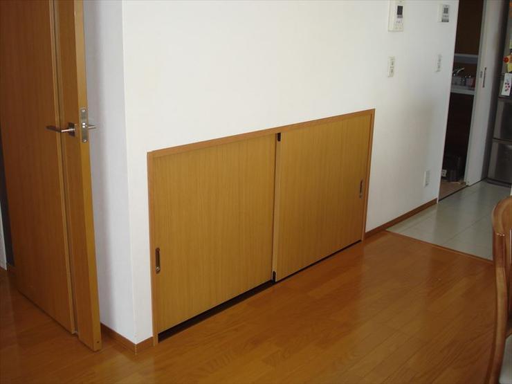 特注の建具で違和感のない収納スペースを実現