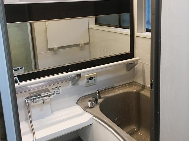 1分で床面を温める「床夏シャワー」で快適バスルーム